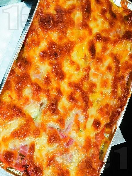 Запечени картофи с бекон и кашкавал на фурна - снимка на рецептата